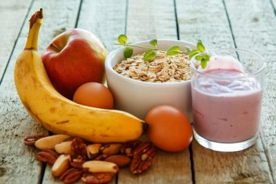 Snacking for your Health ; Healthy Snacking & Healthy Eating